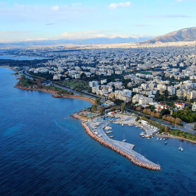 A luxury cruise in Athens Riviera